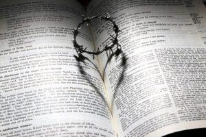rekolekcje-wielkopostne-saletyni-biblia