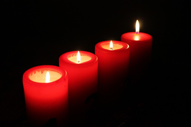 candles-świece-adwent-saletyni