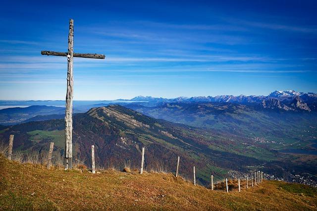 mountain-krzyż-drewniany